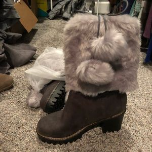 Shoes - Brand new size 8 gray winter boots